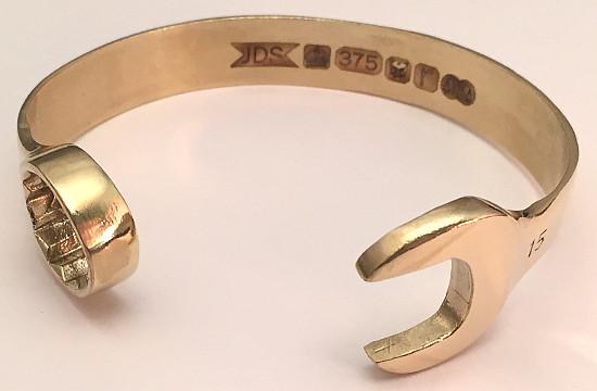 9 carat Gold 15mm Spanner Bangle