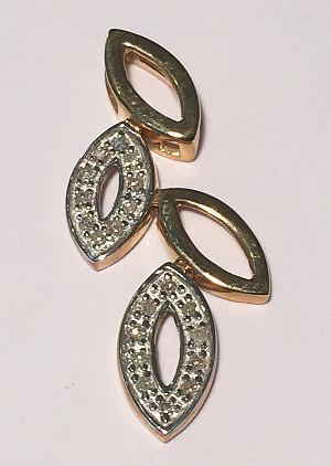 9ct Gold Leaves Diamond set Pendant