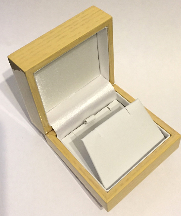 Light Wooden Pendant Necklace Gift Display Box 74mm x 37mm