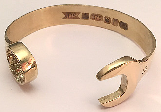 9 carat Gold 15mm Spanner Bangle