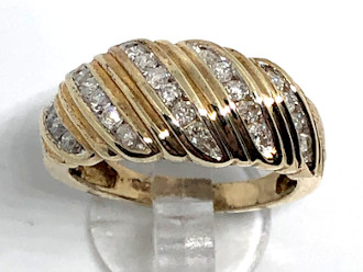 9ct Gold Wide ribbed 0.50Ct Diamonds Ring