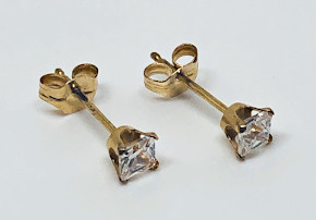 9ct Gold Clear Square CZ set Ear Studs 3mm