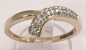9ct Gold Diamonds set Scroll Ring