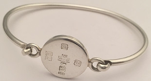 Millenium feature Hallmark Tag hook Bangle