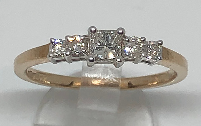 Ladies 9ct Gold Princess cut 5 Diamond Ring 0.50Ct