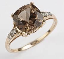 9 carat Gold Smokey Quartz Ring set with 6 Diamonds