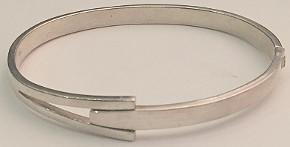 Split design Clasp Sterling Silver Bangle