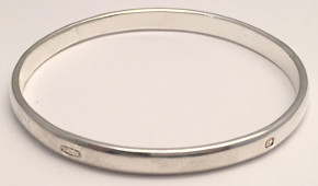 Solid Sterling Silver Feature Hallmark Bangle