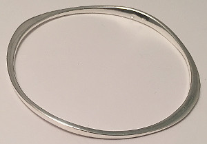 Sterling Silver Solid Round Flattened Design Bangle