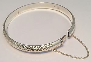 Sterling Silver Diamond Cut design Hinged Bangle with Safety Chain