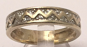 9ct Gold Zig Zag design Diamonds Band Ring